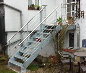 Gartentreppe1